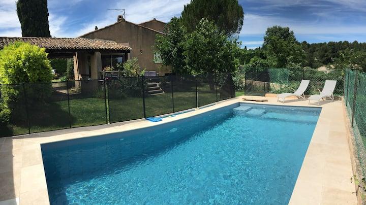Villa avec piscine à pied du centre-ville