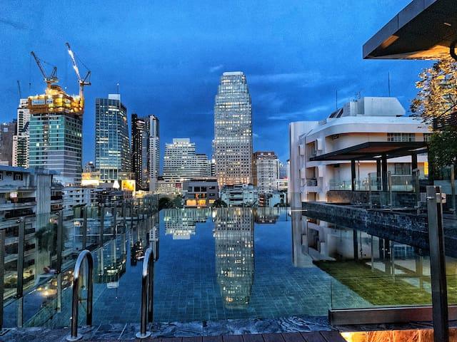F6.0新房特惠/豪华单间/曼谷市中心/双轨交汇/ Asok/MRT素空逸/T21商场/网红无边泳池