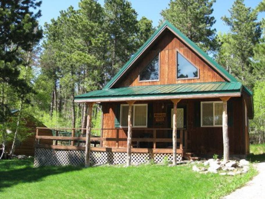 Cozy black hills retreat cabins for rent in lead south for Cabins near deadwood sd