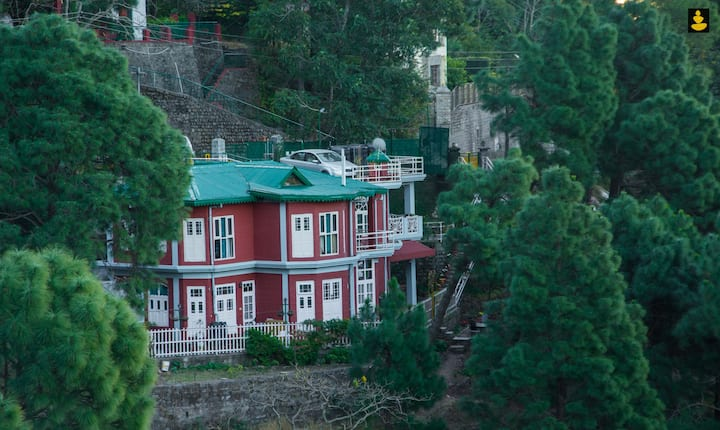 LivingStone 2BHK Villa Entire Place | Kasauli Hill