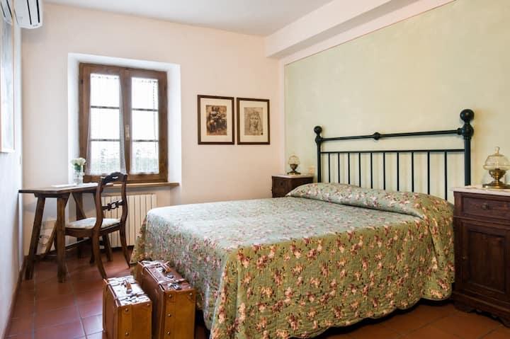 Camera con Vista a San Gimignano 2