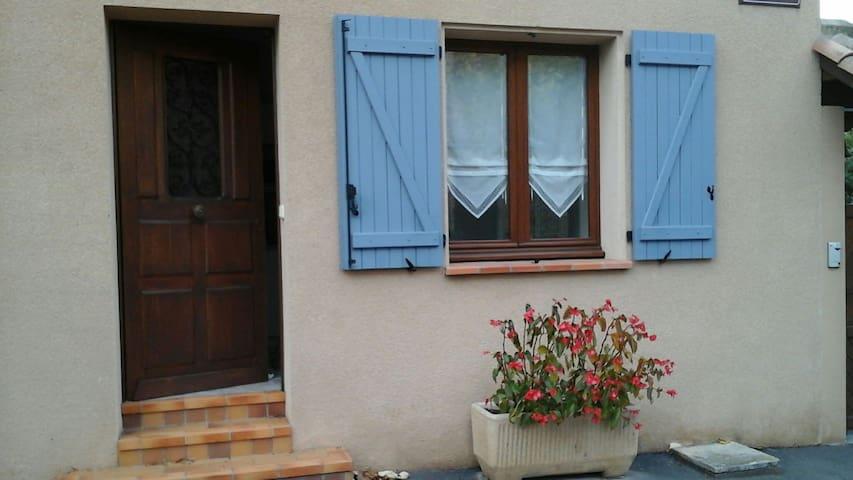 Joli studio aménagé près du centre - Lisle-sur-Tarn - Dom