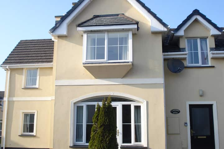 Lakeside House Killarney, Muckross, Free wifi,