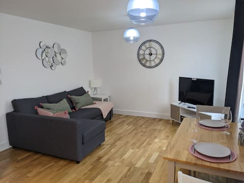 Stylish Flat with courtyard in Central Bristol