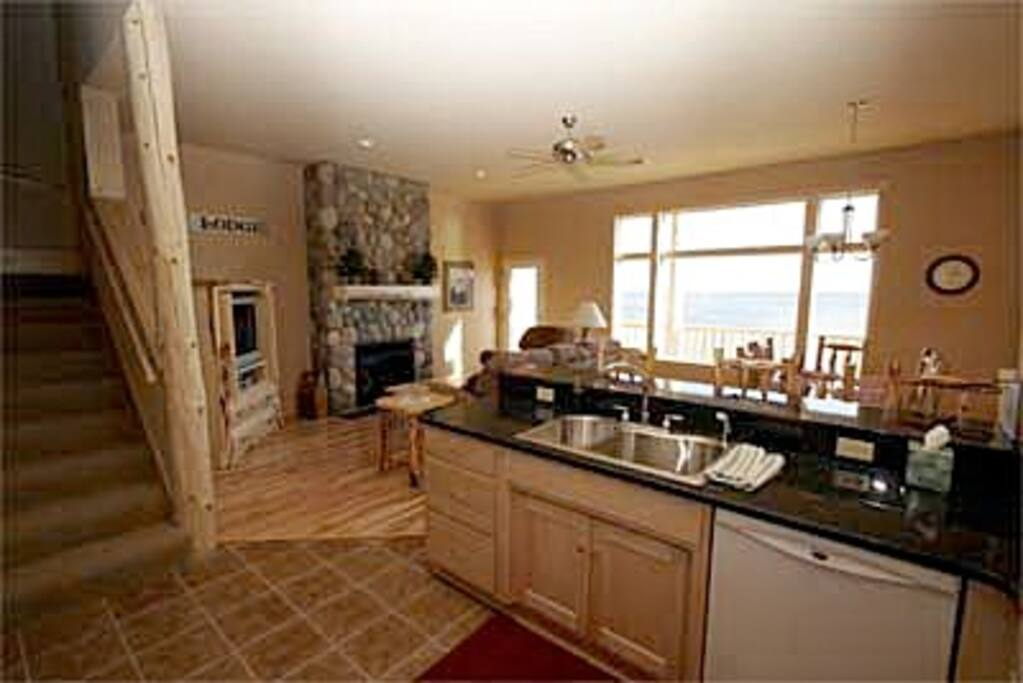 Main floor kitchen, dining and greatroom all have views of Lake Superior