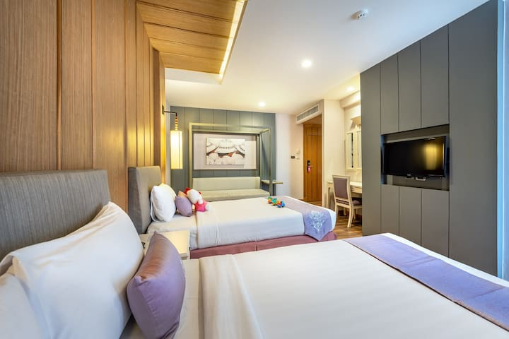 Family Room for 3 at khaosan road hotel+ Breakfast