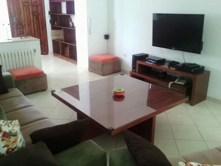 Grande chambre privée à un quart d'heure de Tunis