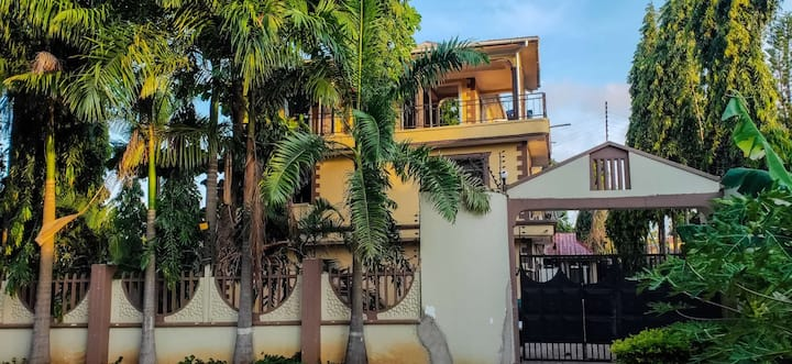 a beautiful 5 star apartment for family near beach
