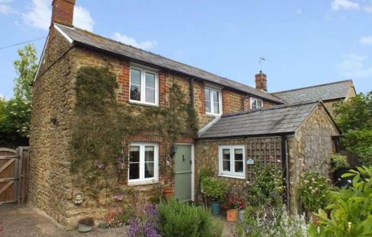 Delightful Cosy Oxfordshire Cottage - Longcot - House