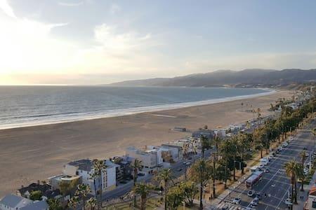 Affordable Luxury meets Ocean View - Santa Monica