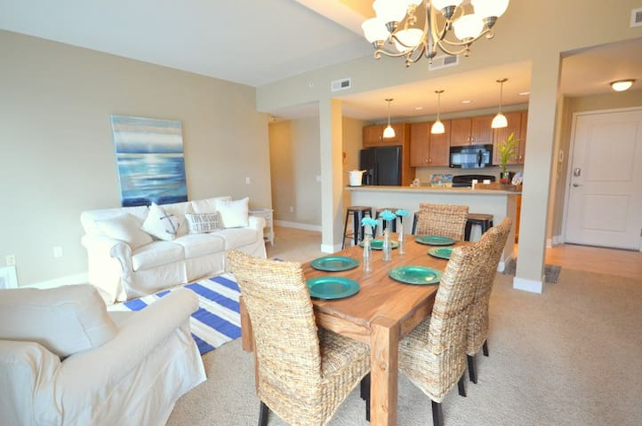 Bonita Beach 303 is located 2 miles from the Grand Haven State Park!