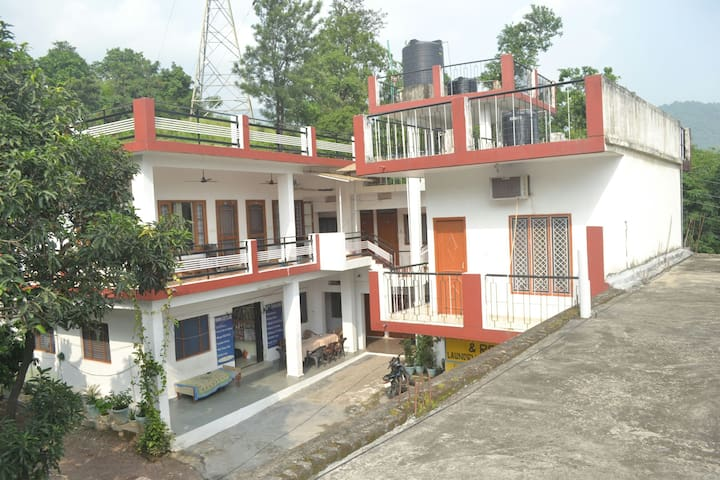 Mount valley mama cottage privet room in Rishikesh