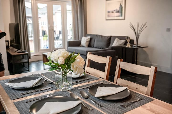 ⭐Lusso Apartments⭐- Bletchley House
