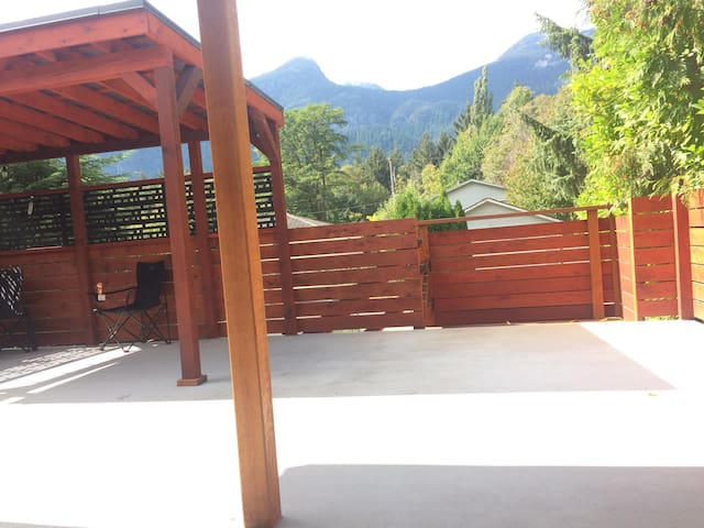 Squamish home with a view