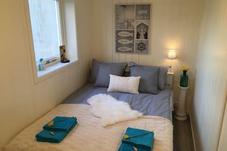 Liten leilighet 150 m fra stranda - Båttur tilbys - Son - Lakás