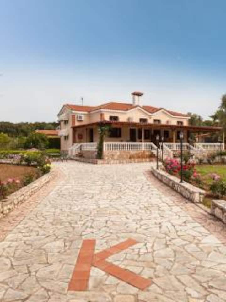 Villa Kostoylla