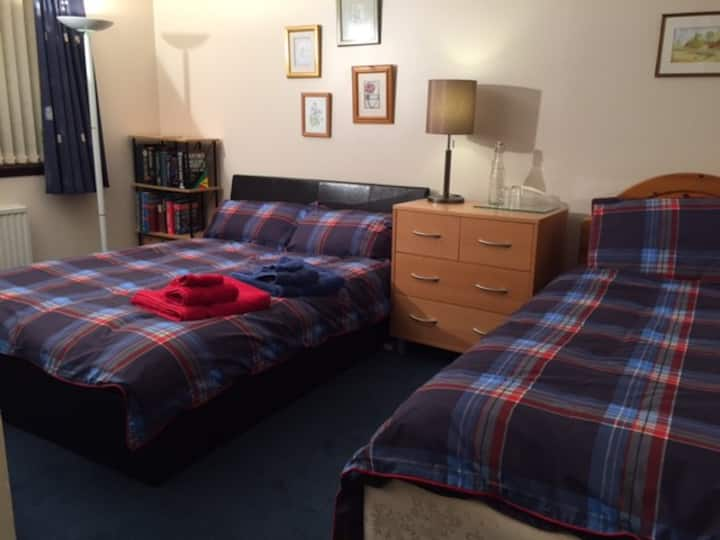 Spacious Triple Room with full Scottish Breakfast