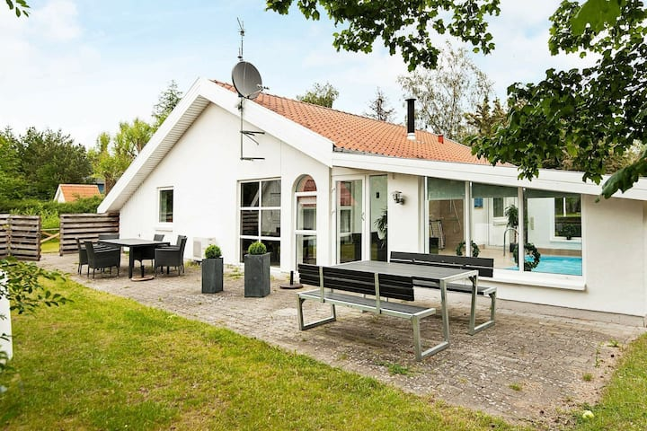 Pretty Holiday Home in Ebeltoft with Swimming Pool