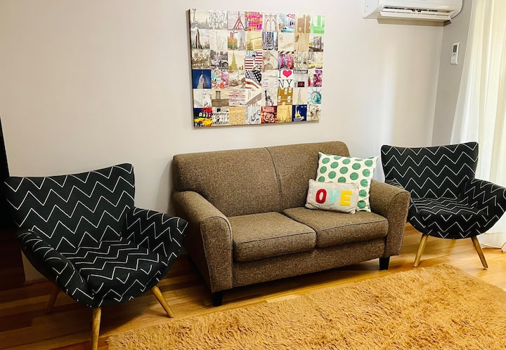 Cozy East Perth 2 bed Apartment - Wifi & Parking