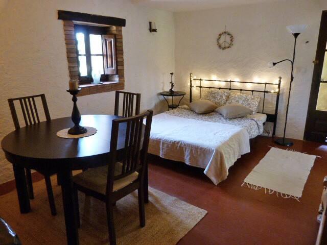 Habitación rural, baño priv. B+B Banyoles-Figueres