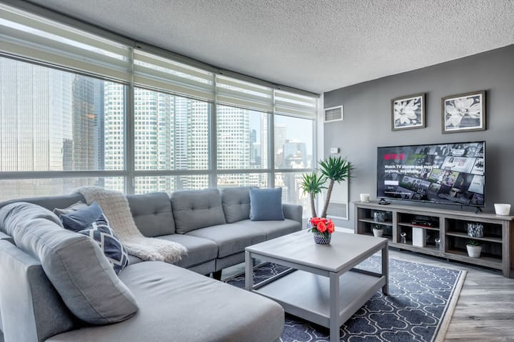 Newly Renovated Stunning Condo with a View
