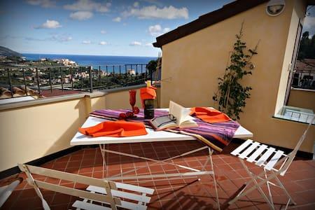 Sea view rustic apartment with terrace | Ap08 - Poggi - Huoneisto