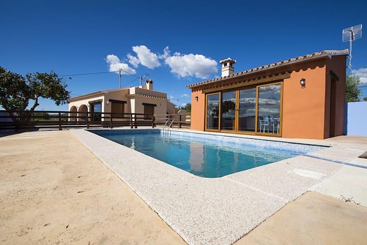 Casa con piscina en entorno rural. - Benimarco - House
