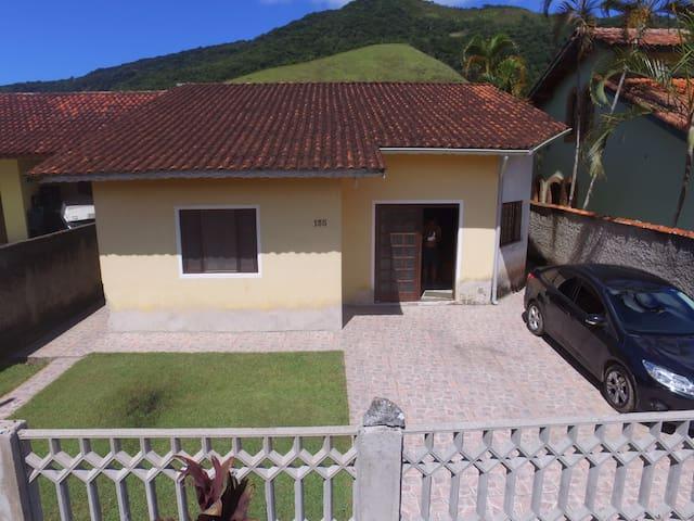 Casa praia em Maranduba - Dona Beth Family House - Ubatuba - Ev