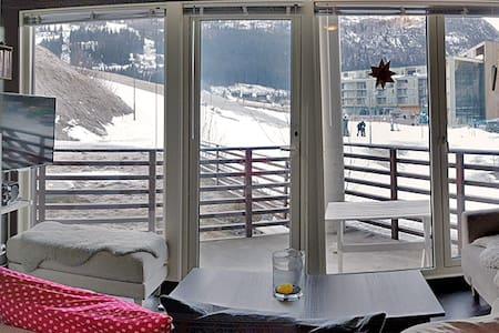 Moderne leilighet med høy standard og ski-in/out - Hemsedal