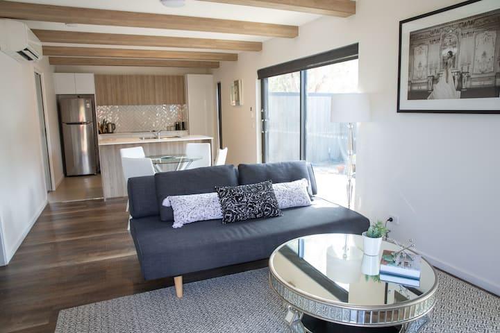 Unit 1 - apartment living in an idyllic location