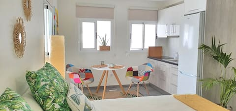 Nice studio for two. Well located - STUDIO A