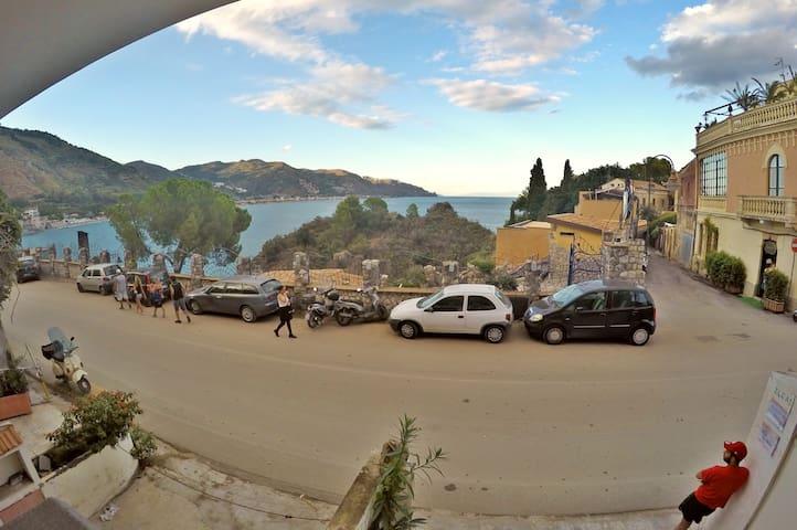 Appartamento Ninì: Taormina Mazzarò Beach - Mazzarò - Apartamento