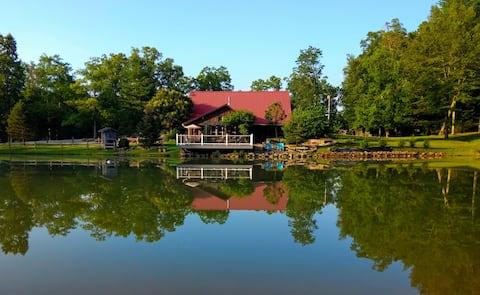 Sandstone Retreat LLC - hot tub-game room-and pond