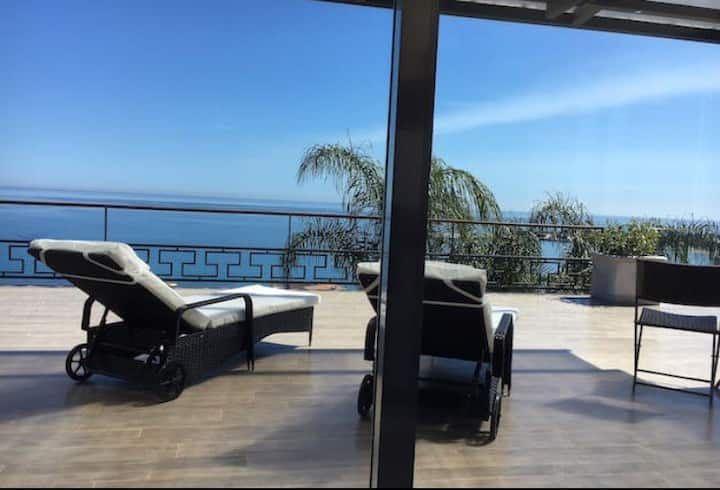 *LUXURY* VILLA VITTORIO TAORMINA, ETNA& SEA VIEWS