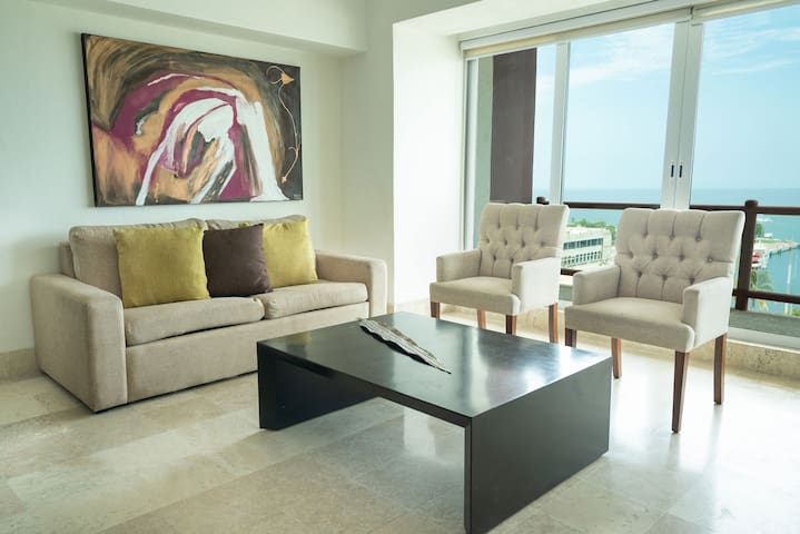 Beautiful Apartment With Large Balcony 903