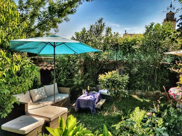 4 bedroom-family house in Grasse