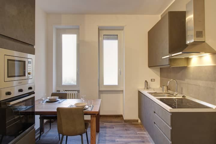 FRESIA romantic suite close to the Central Station