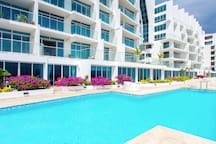 Impressive 2 Bed Condo - Right on the Panama Canal