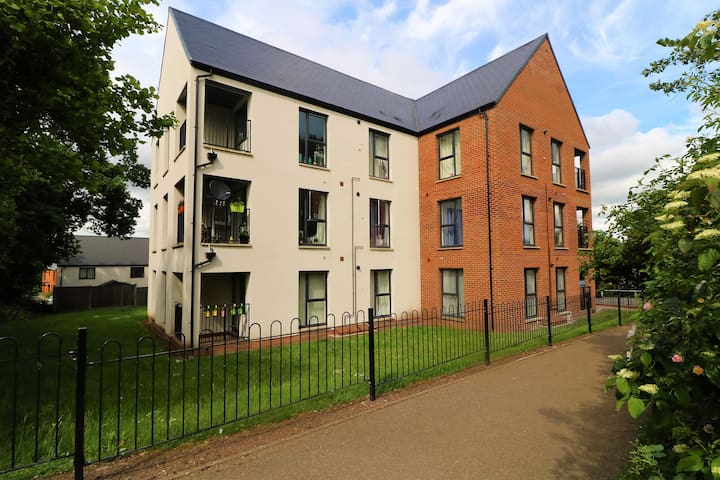 2 Bedroom Executive Apartment - Large