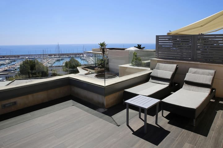AT176 VIL.LES DE MAR: Modern house for 8 people with sea views and pool