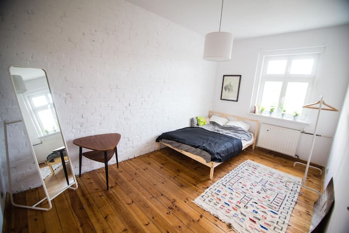 Apartment with an artistic touch.10 min from Rynek