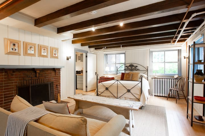 Lovingly Renovated Retreat near Walker Art Center