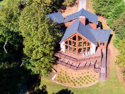 Lake Hartwell Chalet, Clemson Games, Private Dock
