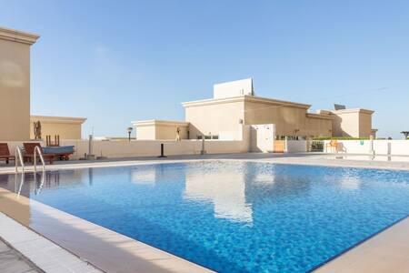Bright & Cozy 2BR near Jebel Ali and Expo 2020 Site