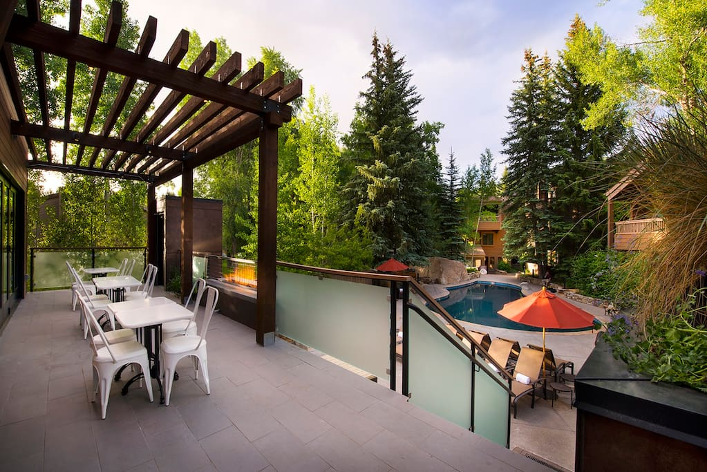 Outdoor Dining Over Main Pool