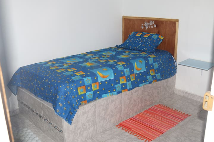 1 cama doble + 1 cama individual - PA - Bed & Breakfast