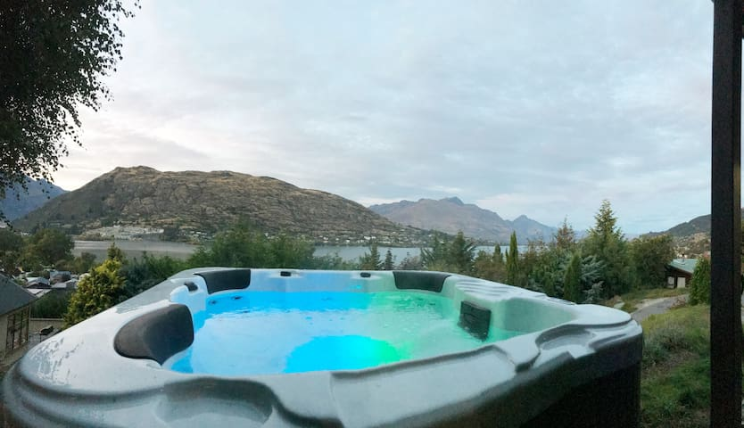 Memory Making Magic with Spa Pool & Massive Views