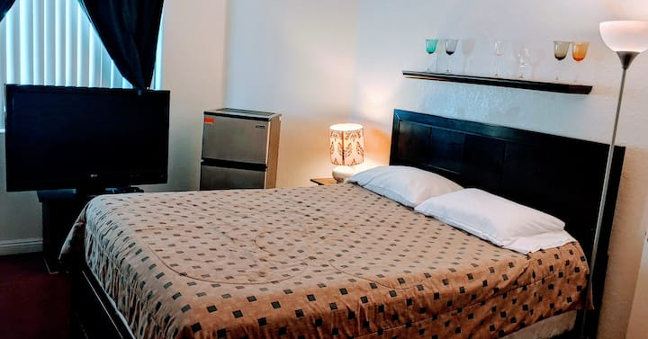 Nice and comfortable room with private bathroom