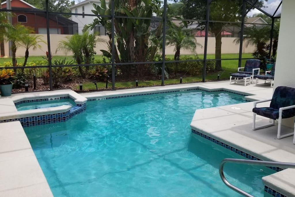 Minnie`s Sunshine Retreat Pool and Spa