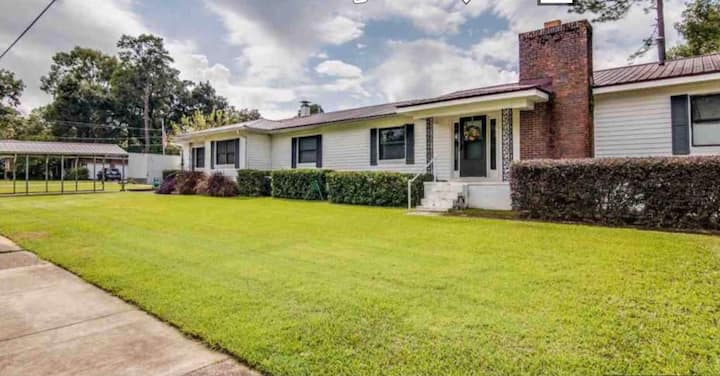 Beautifully renovated house near FSU and FAMU.